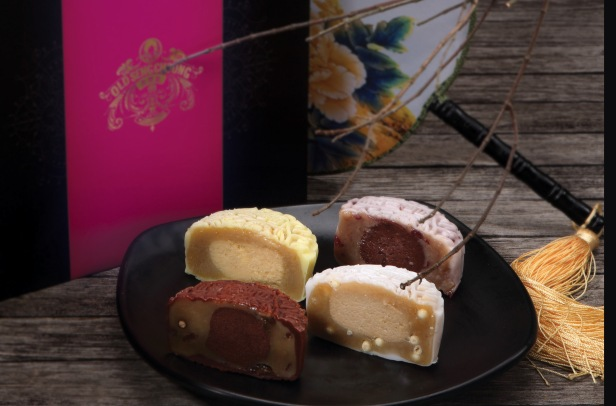 Old Seng Choong Heavenly Beauties Snowskin Mooncake - Brandy Cherry, Yuzu Martini, Bailey Whiskey with White Chocolate Pearl and Rum & Raisin with Dark Chocolate Pearl